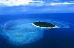 空からのシパダン島